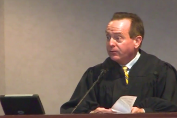 Judge tried to bribe FBI agent with beer