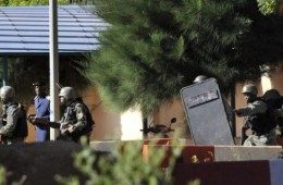 Mali hostage situation holds 170 lives